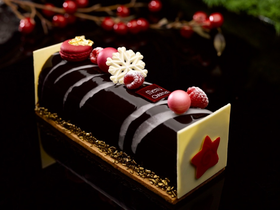Raspberry Flavour Grand Marnier and Guanaja Chocolate Christmas Yule Log - lr