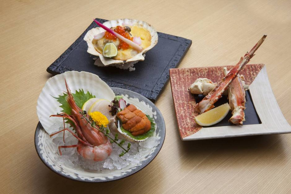Sashimi and Grilled King Crab and Grilled Scallop