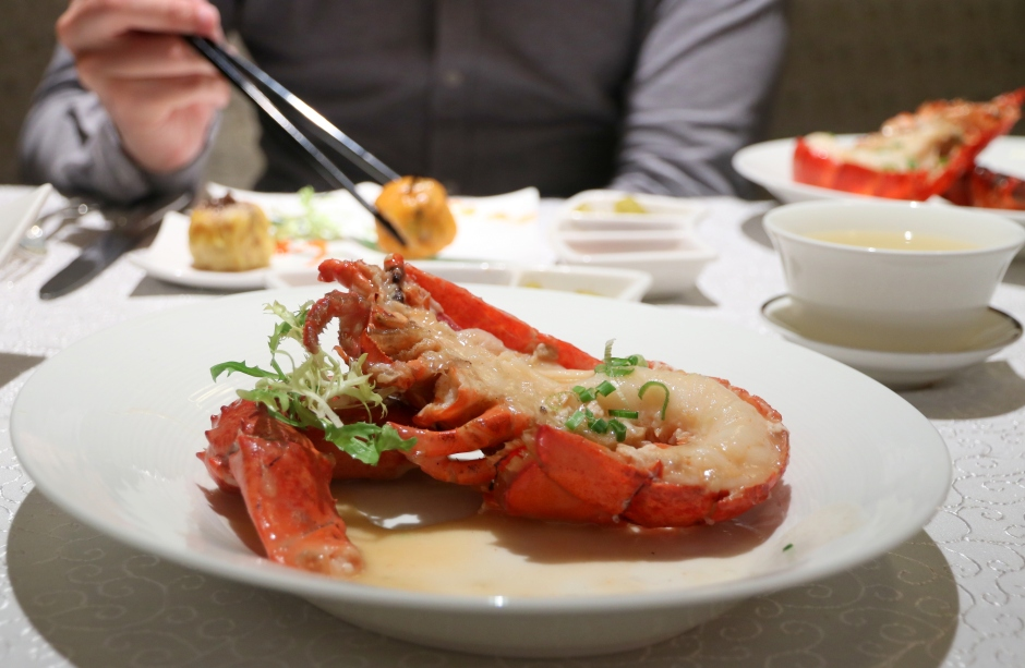 Wok-baked Boston Lobster with Superior Stock