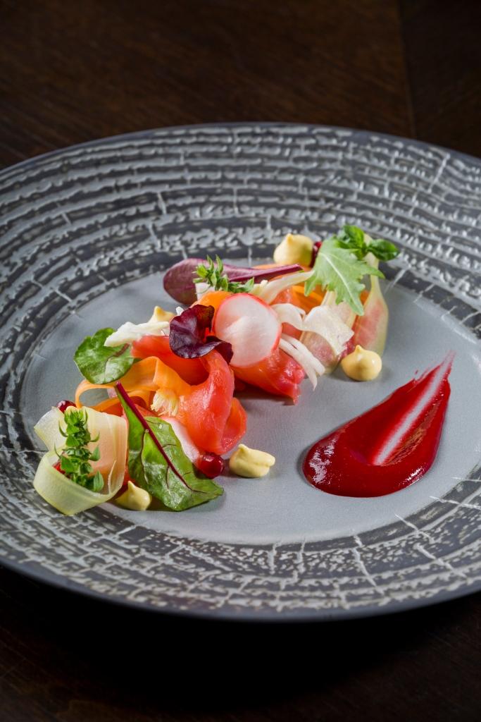 marinated-salmon-pomegranate-salad-and-balsamic-cream