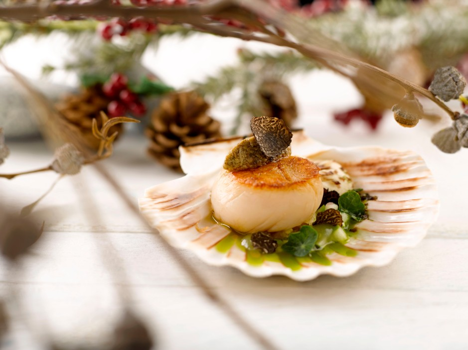 fairmont-singapore-swissotel-the-stamford_equinox_seared-hand-dived-scallop