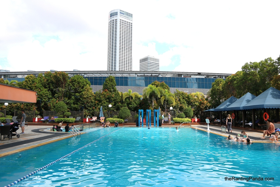 Hotel review marina mandarin singapore by meritus for Pool garden marina mandarin