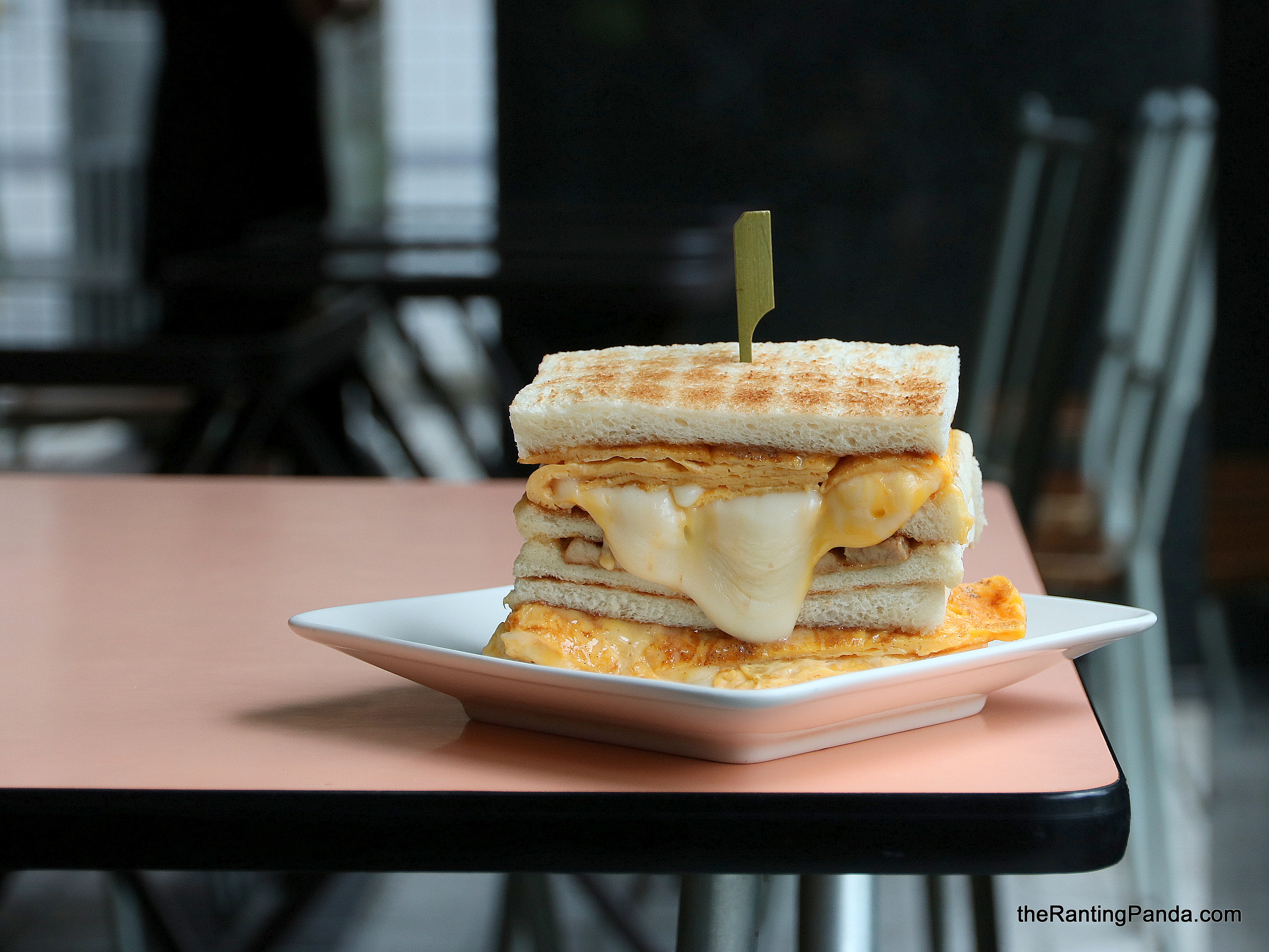Food Review: Comida 可蜜達炭烤吐司 in Taipei, Taiwan | The Must Try Instagram-worthy Cheese Toast