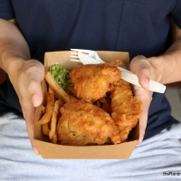 Food Review: Lad & Dad at Maxwell Food Centre | Affordable British Fish & Chips and Bar Grubs in Chinatown
