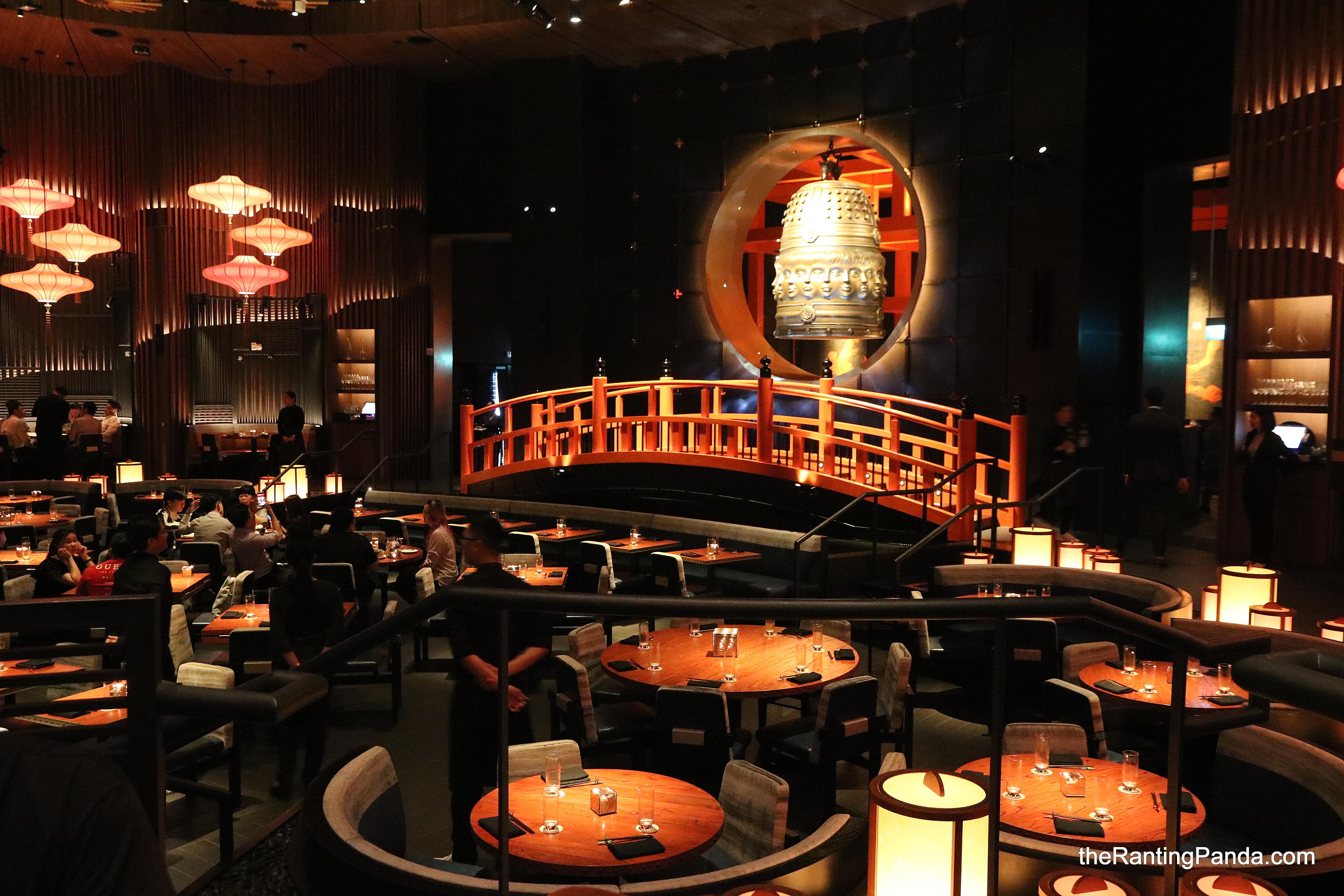 Sands casino singapore restaurants isle of capri casino resort biloxi